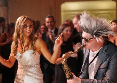bride_saxophone